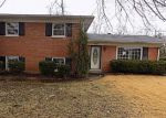 Foreclosed Home en OAK VALLEY DR, Louisville, KY - 40214