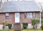 Foreclosed Home en CLOUGH RD, Waterbury, CT - 06708