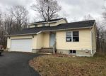 Foreclosed Home en RAND HILL RD, Morrisonville, NY - 12962