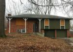 Foreclosed Home en S TRAIL RIDGE DR, Independence, MO - 64055