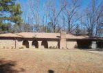 Foreclosed Home en GREENBRIAR ST, Jackson, MS - 39211