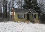 Foreclosed Home en GAFFNEY HILL RD, Easton, PA - 18042