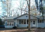 Foreclosed Home en PHYLLIS DR, Millville, NJ - 08332