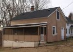 Foreclosed Home en GALLUP ST, Plainfield, CT - 06374