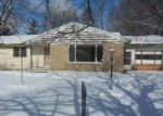 Foreclosed Home en PINE ST, Paw Paw, MI - 49079
