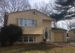 Foreclosed Home en ROOSEVELT AVE, Greenlawn, NY - 11740