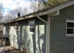 Foreclosed Home en CHETELAT DR, Ashford, CT - 06278