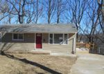 Foreclosed Home en CAREY LN, Hazelwood, MO - 63042
