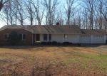 Foreclosed Home en N OAK DR, Centerville, TN - 37033