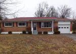Foreclosed Home en GLENWOOD DR, Radcliff, KY - 40160