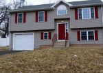 Foreclosed Home en STONEGATE RD, New Britain, CT - 06053
