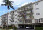 Foreclosed Home en NE 167TH ST, North Miami Beach, FL - 33160