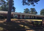 Foreclosed Home en OAKWOOD DR, Longview, TX - 75604