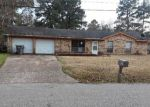 Foreclosed Home en MOFFETT RD, Lufkin, TX - 75901