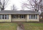 Foreclosed Home en W WASHINGTON ST, Girard, IL - 62640