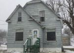 Foreclosed Home en S JACKSON AVE, Mason City, IA - 50401