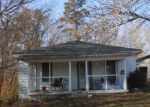Foreclosed Home en HENRY ST, Stanleytown, VA - 24168