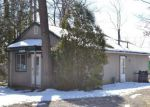 Foreclosed Home en WESTWOOD DR, Howell, MI - 48843