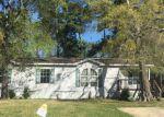 Foreclosed Home en KAITLYN LN, Baytown, TX - 77521