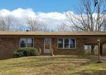 Foreclosed Home en BLUE RIDGE DR, Hurt, VA - 24563