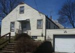 Foreclosed Home en CHERRY AVE NE, Canton, OH - 44714