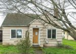 Foreclosed Home en W MAIN ST, Molalla, OR - 97038