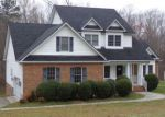 Foreclosed Home en CLEAR SPRINGS LN, Colonial Heights, VA - 23834