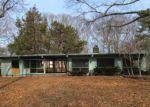 Foreclosed Home en RICHMOND AVE, Barrington, RI - 02806