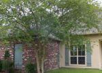 Foreclosed Home en PELICAN CROSSING DR, Gonzales, LA - 70737