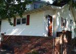 Foreclosed Home en N 11TH ST, Herrin, IL - 62948