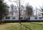 Foreclosed Home en PLANTATION DR, Axton, VA - 24054