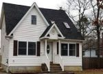 Foreclosed Home en NEIGHBORHOOD RD, Shirley, NY - 11967