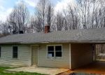 Foreclosed Home en DIXIE AIRPORT RD, Madison Heights, VA - 24572