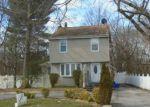 Foreclosed Home en MILBURN AVE, Baldwin, NY - 11510