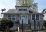 Foreclosed Home en N ADDISON RD, Capitol Heights, MD - 20743