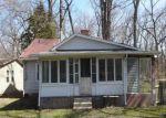 Foreclosed Home en WOODLAND DR, Eastlake, OH - 44095