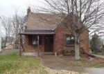 Foreclosed Home en OLD FARM RD, Pittsburgh, PA - 15234