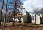 Foreclosed Home en KNOLL DR, East Stroudsburg, PA - 18302