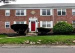 Foreclosed Home en STANDISH RD, Stamford, CT - 06902