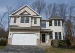 Foreclosed Home en LOUISE DR, Marcus Hook, PA - 19061