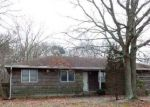 Foreclosed Home en BEACON ST, Shirley, NY - 11967