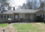 Foreclosed Home en WAUREGAN RD, Brooklyn, CT - 06234