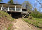Foreclosed Home en CENTENNIAL DR, Kenova, WV - 25530