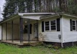 Foreclosed Home in LITTLE BLOODY CREEK RD, Campton, KY - 41301