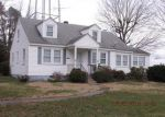 Foreclosed Home en CARVER ST, Montross, VA - 22520