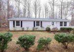 Foreclosed Home en STONEWALL RD, Palmyra, VA - 22963