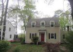 Foreclosed Home en WRENS NEST RD, Richmond, VA - 23235