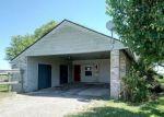 Foreclosed Home en HERON DR, Port Lavaca, TX - 77979