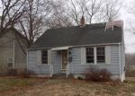 Foreclosed Home en FLYERS DR, Norwich, CT - 06360