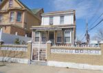 Foreclosed Home en 105TH AVE, Jamaica, NY - 11435